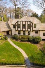 Wilson Point Home In Norwalk Marries Yesteryear Charm, Today's Conveniences