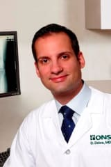ONS Doctor Explains The Ins And Outs Of Chronic Knee Pain