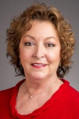 Debra Hanson Brings Extensive Experience To Wilton Chamber
