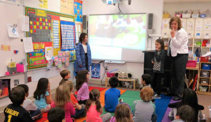 Croton-Harmon Students Inspire Love Of Sign Language