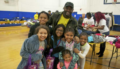 NFL's Silas Redd Aims To Help Norwalk's Needy With 'Threads' Clothing Drive