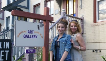 Art Lovers Hit The Streets In Stamford, Enjoy Seven Galleries For Artwalk