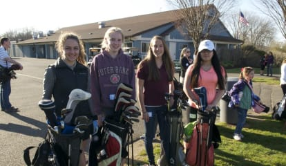 Trumbull Golfers Take A Swing At Spring At Tashua Knolls