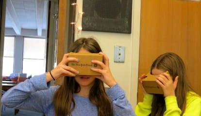 John Jay MS Students Take Virtual-Reality Tour Of Egypt