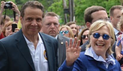 Hillary Clinton Breaks From Campaign For Hometown Memorial Day Parade