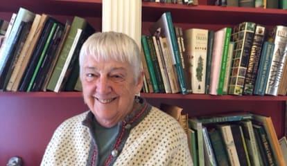 White Plains LWV Honors Dorothy Schere For Volunteer Work
