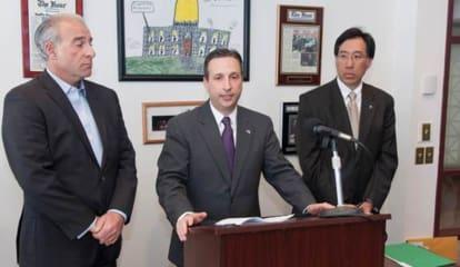 Norwalk's Duff Wants To Allow Connecticut Tesla Sales