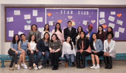 NRHS Students In Abuse-Prevention Program Partner With Hope's Door