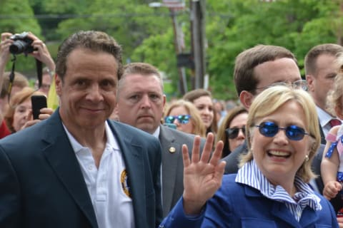 Hillary Clinton Breaks From Campaign For New Castle Memorial Day Parade