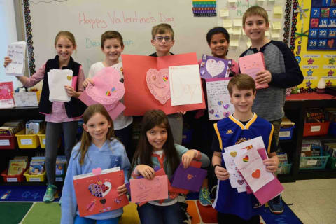 Bronxville Elementary Students Craft 'Valentines For Veterans'