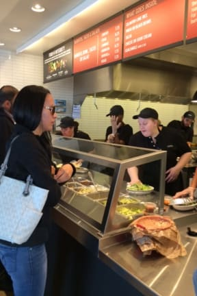 Chipotle To Close All Eateries Monday For Food Safety Meetings