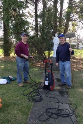 Norwalk Knights Of Columbus Spruce Up Grounds At Notre Dame Home