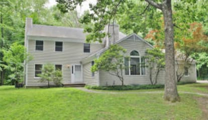 838 Valley Road, New Canaan, CT 06840