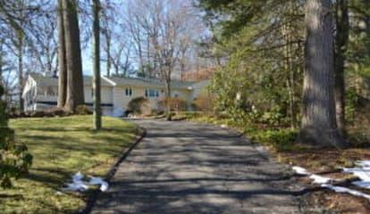 40 Shady Knoll Lane, New Canaan, CT 06840