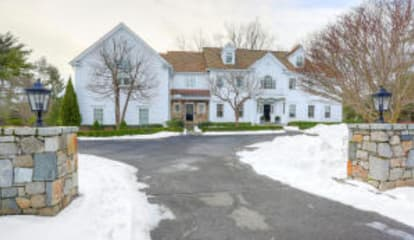 7 Thurton Drive, New Canaan, CT 06840