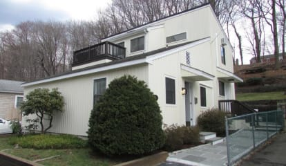 29 Cary Road, Riverside, CT 06878