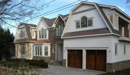 11 Potter Drive, Old Greenwich, CT 06870