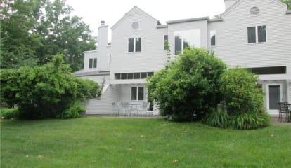 25 Beechwood Way, Briarcliff Manor, NY 10510