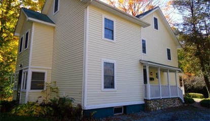 8 Narragansett Avenue, Ossining, NY 10562