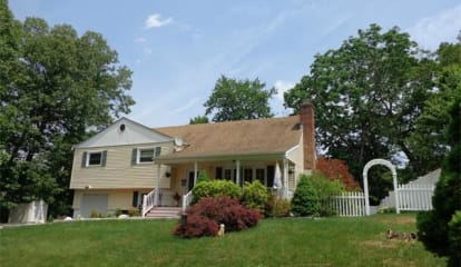 800 Terrace Place, Cortlandt Manor, NY 10567