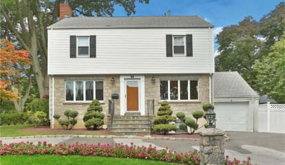 59 Overlook Avenue, Eastchester, NY 10709