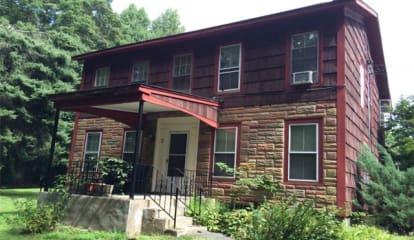 17 Deerhaunt Drive, Croton-on-Hudson, NY 10520
