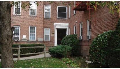 796 Bronx River Road Road #B35, Bronxville, NY 10708