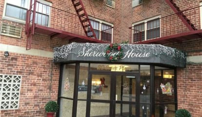 20 Secor Place #2R, Yonkers, NY 10704