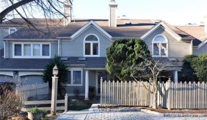 19 Boulder Ridge Road, Scarsdale, NY 10583