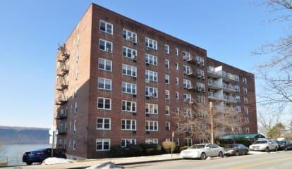 709 Warburton Avenue #4G, Yonkers, NY 10701