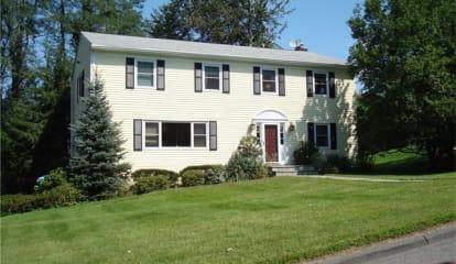 9 Beechwood Road, Irvington, NY 10533