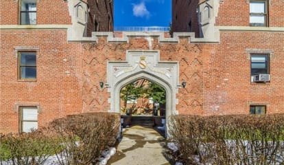 35 Summit Avenue #2J, Port Chester, NY 10573