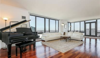 10 City Place #Ph3D, White Plains, NY 10601
