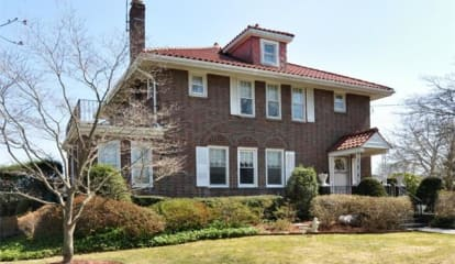 180 North Colonial Parkway, Yonkers, NY 10710