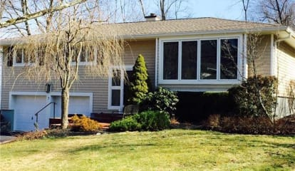 7 Hillview Drive, Pleasantville, NY 10570