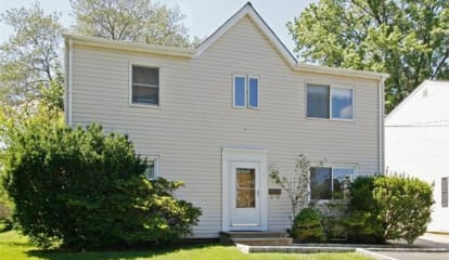 11 Leffingwell Place, New Rochelle, NY 10801