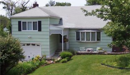 2945 South Deerfield Avenue, Yorktown Heights, NY 10598