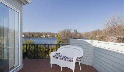 85 Waterside Close, Eastchester, NY 10709
