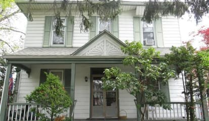 16 Linden Place, New Rochelle, NY 10801