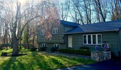 2374 Pine Grove Court, Yorktown Heights, NY 10598