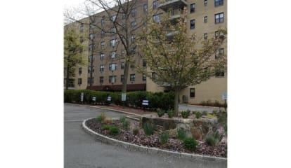 35 Stewart Place #307, Mount Kisco, NY 10549