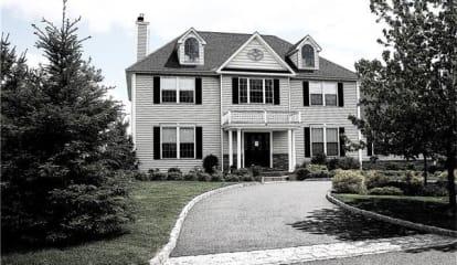 291 Old Sleepy Hollow Road, Pleasantville, NY 10570
