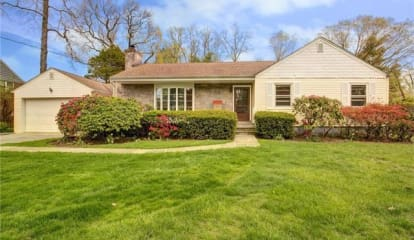 12 Blackthorn Lane, White Plains, NY 10606
