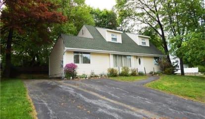 18 Jerome Drive, Cortlandt Manor, NY 10567