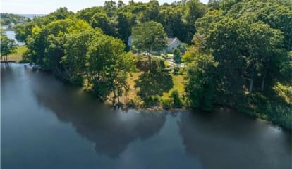28 Swifts Lane, Darien, CT 06820