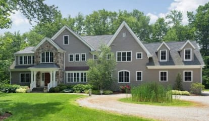 11 Blueberry Lane, Darien, CT 06820