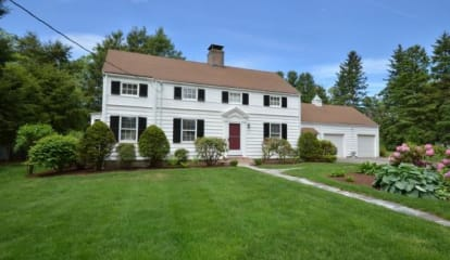 11 Manor Lane, Easton, CT 06612