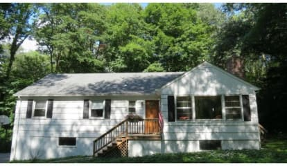 10 Glory Road, Weston, CT 06883