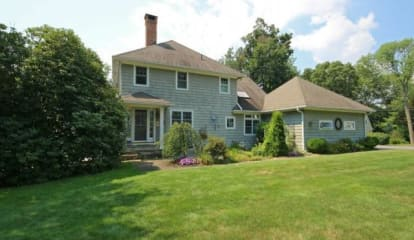 370 Toilsome Hill Road, Fairfield, CT 06825