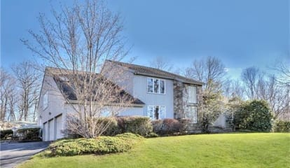 15 Greenfield Drive, Weston, CT 06883